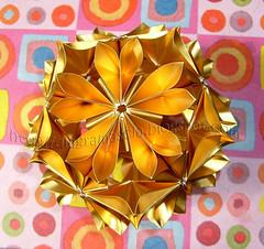 Arabesque dourado (Isa  ) Tags: modular arabesque kusudama miotsugawa