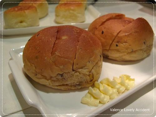 東區_桃_麵包