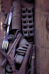 creative door (danigoico) Tags: door old metal puerta venezuela vieja rusty fork caracas tenedor elhatillo oxidada creativedoor danielagoicochea
