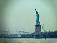 Estatua de la libertad (Ignacio Lzaro) Tags: new york de liberty island libertad la estatua nueva hdr
