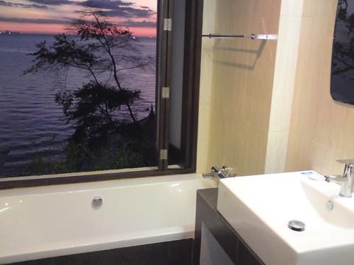 Enjoy the seaviews from the bath at Klong Nin Seaview Villa