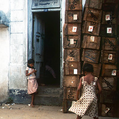 india, about 30 years ago () Tags: poverty street old girls india film andy children strada bambini andrea slide andrew vecchio povert ragazze benedetti
