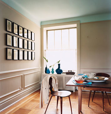 Serene neutral paint: Taupe dining room + sky blue ceiling