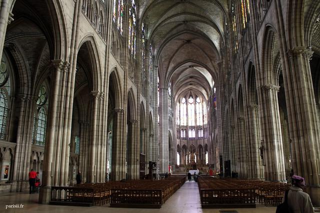 La nef centrale gothique est époustouflante