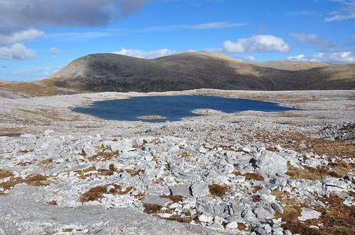 Meal Horn across Lochan na Faoileige