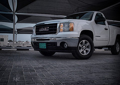 GMC (Abdulrhm) Tags: door two white one sierra rc 2009 1500 gmc doha qatar  dubi  alwakra