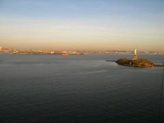Picture from a Kite Over New York Harbor - Miss Liberty in the Distance (Wind Watcher) Tags: statueofliberty kiteaerialphotography libertystatepark newyorkharbor dopero windwatcher chdk wwkw2009 wwkapw2009 kapwindwatcherkite