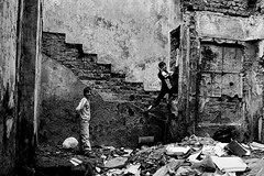 playground (Vasilikos Lukas) Tags: blackandwhite bw blancoynegro blackwhite streetphotography istanbul vasilikos thestreet