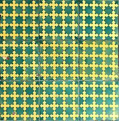 Barcelona - Gran Via 453 g (Arnim Schulz) Tags: barcelona espaa building art faence architecture tile liberty spain arquitectura pattern arte mosaic kunst edificio kacheln mosaico catalonia artnouveau tiles gaud architektur catalunya deco espagne btiment gebude muster modernismo catalua spanien modernisme glazed azulejos jugendstil mosaque baldosa mosaik espanya katalonien stilefloreale eixample belleepoque baukunst carreau