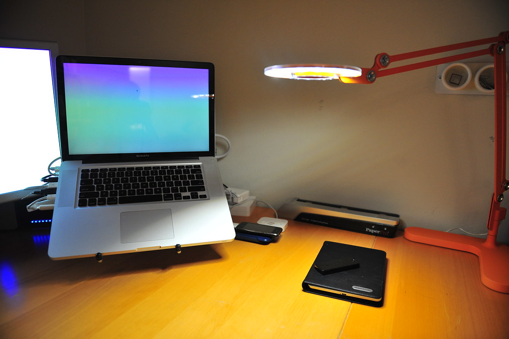 My desk with the Link