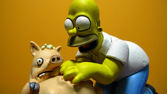 Spiderpig y Homero 0657 (MOiSTER) Tags: wallpaper closeup widescreen homer thesimpsons fondodeescritorio spiderpig puercoaraa