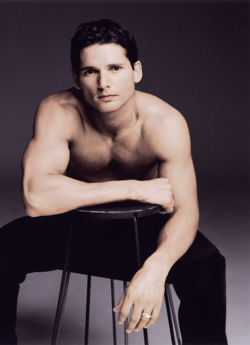 usada_Eric-shirtless-eric-bana-48963_799_1100