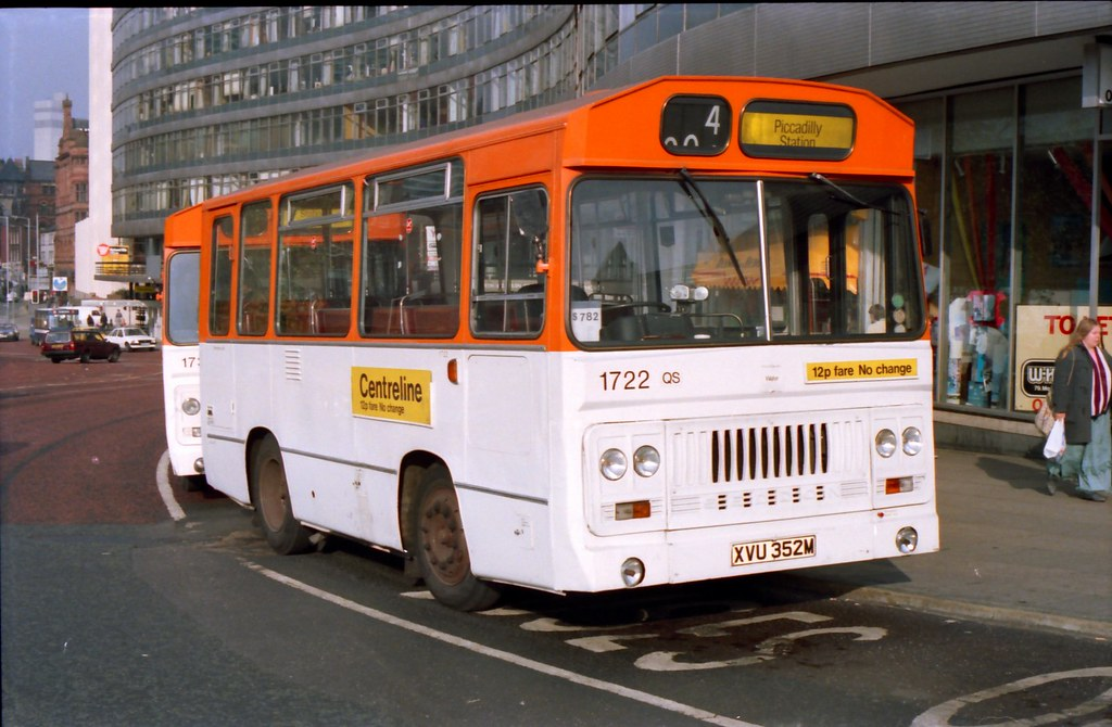 CENTRELINE XVU 352M AT PICCADILLY