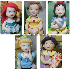 Details of the toddler princesses (Dragonfly Doces) Tags: baby castle ariel swan toddler princess jasmine disney castelo belle bolo criana cinderella aladdin bela snowwhite meninas cisne littlemermaid cinderela princesas brancadeneve pequenasereia aladim belaeafera royalnursery