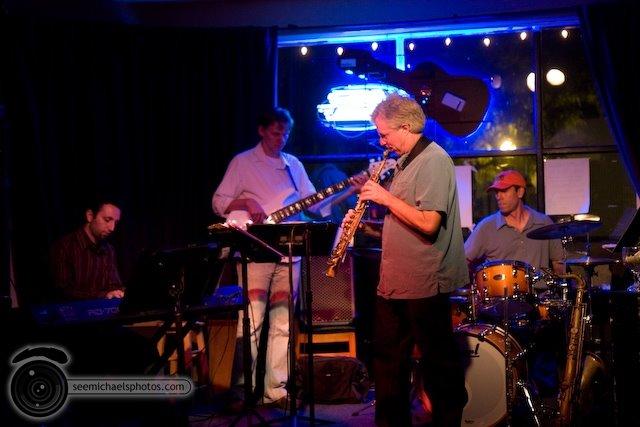 Danny Green Quartet at South Park Bar and Grill 51009© Michael Klayman-002