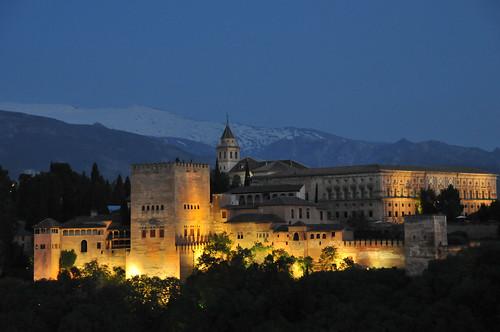 Alhambra la nuit.