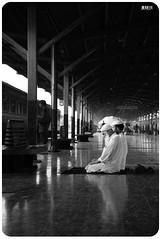 prayers, hualumpung bangkok, 2009 (momofuku ando) Tags: geotagged thailand blackwhite yaowarat nikond3 nikon2470mmf28 geo:lat=13740836 geo:lon=100516983