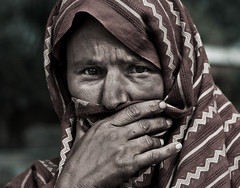 The Silent Message (| HD |) Tags: world pakistan woman female who photojournalism documentary health hd sick organization darwish hamad journalism disease tb silencio infection islamabad tuberculosis wwwhamaddarwishcom wwwhamadpicturescom hamaddarwishwwwhamaddarwishcomwwwhamadpicturescomhd
