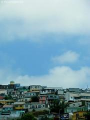 Amontonaditas. (Felipe Smides) Tags: chile travel houses sky house art clouds arte viajes vida cielo nubes casas valparaíso felipe valpo casitas vivienda cielito vieje artisticexpression amontonadas desahogo instantfave mywinners abigfave aplusphoto beatifulcapture artlegacy smides fotografiasmides funfanphotos felipesmides