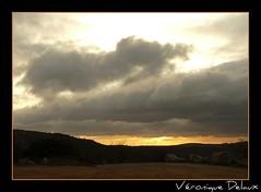 """Cavalerie"" de nuages sur couchant de Larzac (Vronique Delaux On/Off) Tags: sky france clouds montpellier ciel iq nuages paysages larzac smrgsbord photographe aveyron lanscapes photon potofgold midipyrnes inspiredbylove brunas kartpostal golddragon abigfave karpostal aplusphoto overtheexcellence panasonicfz18 grandscausses vosplusbellesphotos vroniquedelaux cratitudesnolimits vroniquedelaux delaux photographemontpellier"