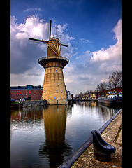 Meet The Boss, The Tallest Windmill On The Planet (DolliaSH) Tags: holland mill windmill dutch photoshop canon eos tripod nederland thenetherlands wideangle ultrawide 2009 efs 1022mm hdr molen schiedam windmolen cs4 photomatix 50d tonemapping tonemap nolet visitholland eos50d canon50d dollia dollias sheombar denolet anmazingnetherlands