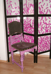 pinkscreen (pinkmmania) Tags: pink feather textile ambient fiber interiordesign oldchairs decorativescreen roomdesign