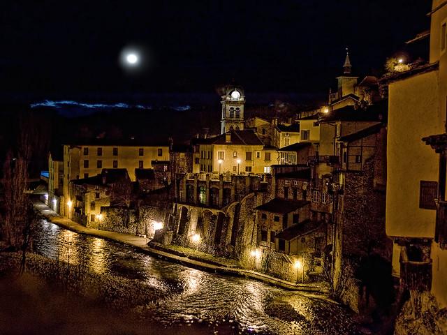 Pont-en-Royans by night