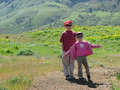 The kids pose for a photo :) (LaughingStarfish/dstroy) Tags: nature oregon hike gorge wildflowers hoodriver columbiarivergorge balsamroot tommccallpreserve