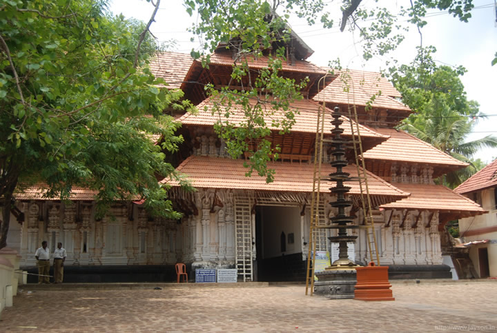 thrissur pooram - Vadakkunnathan temple entrance