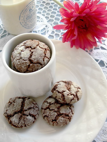 chocolate lace crisps