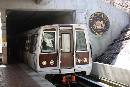 A washington metro train