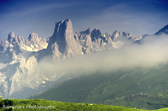 Picu Urriellu (Rawlways) Tags: mountain landscape nikon paisaje montaña d300 bulnes