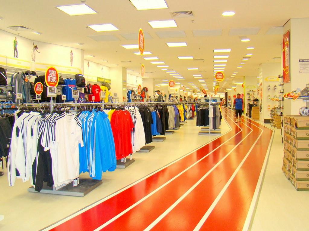 91bbc2ceb8f4b Shopping Aricanduva - Centauro - Reinauguração (aricanduva) Tags: shopping  center tenis times reforma