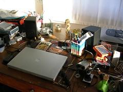 La scrivania di Lorenzo (prontialpeggio) Tags: al live frankie safari cover delight lorenzo hi che piazza cortona nrg quelli acustico jovanotti cherubini pronti peggio vitaminic benpensano