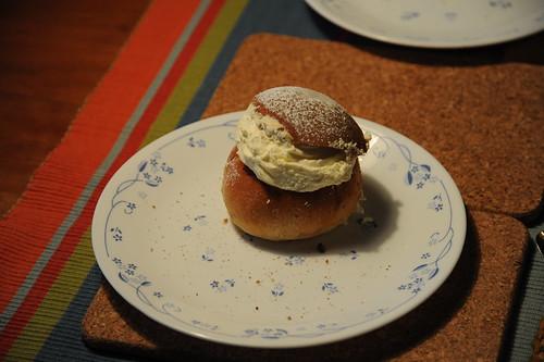 Lundのパン屋で購入したSemla