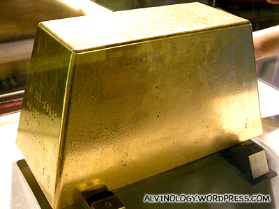 Real giant gold bar that weighs a ton