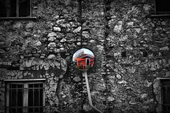 She dreams in colors she dreams in red (ninakupenda81) Tags: bw muro cutout bn mur mirroir specchio