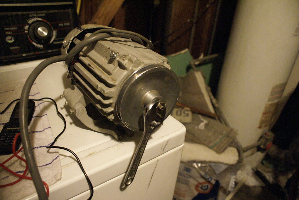 The world 39 s best photos of diode and wind flickr hive mind for Best dc motor for wind turbine