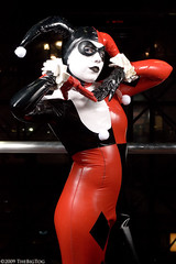 2009 New York Comic Con - Harley Quinn Photoshoot (TheBigTog) Tags: dc costume cosplay convention comicbook batman cosplayer dccomics 2009 harleyquinn nycc newyorkcomiccon