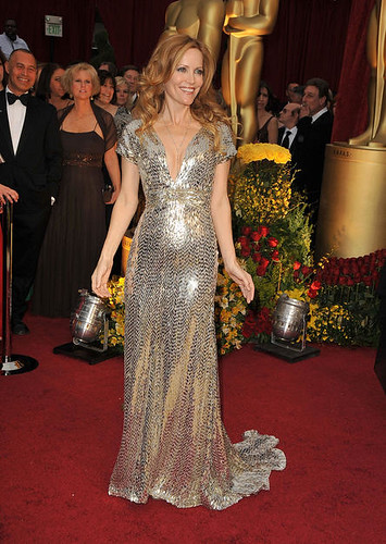 Actress Leslie Mann arrives at the 81st Annual Academy Awards he