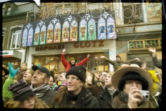 A Binche, el carnaval, c'est c pu pis qu'ene religion (nathaliehupin) Tags: nikon foule mardigras binche nikond200 carnavaldebinche photographebruxelles nathaliehupin photographeluxembourg photographehainaut photographenamur photographeliege photographemons photographebelgique wwwnathaliehupinbe wwwnathaliehupingraphismebe