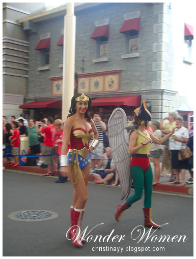 Warner Bros. Movie World: Wonder Women and Hawkman