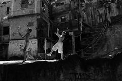 Rocinha/RJ (Rato Diniz) Tags: meninos riodejaneiro diverso crianas infancia periferia favela menino morro pipa rocinha lazer infncia brincadeira comunidade diversao ratao comunidadepopular rato espaopopular ratodiniz rataodiniz