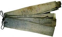 Anglų lietuvių žodynas. Žodis assize reiškia n 1) teismo sesija; 2)pl išvažiuojamoji teismo sesija lietuviškai.