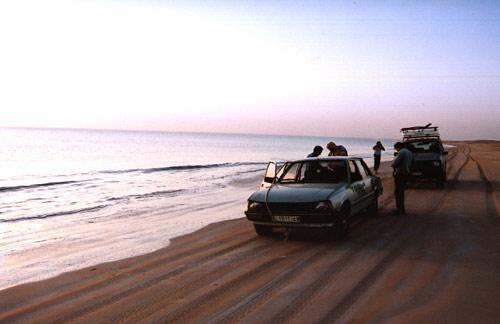 La leyendaria auto-pista de la playa ( beach highway ) de El Noumghar hasta Nouakchott en Mauritania