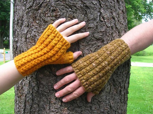 Dean Street Mitts by Nina Machlin Dayton
