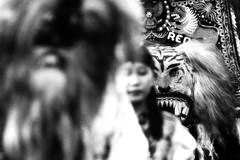 (Luqman Marzuki) Tags: canon indonesia eos anniversary parade jakarta 2009 70200mm 50d reog jakarnaval 482nd mantosz