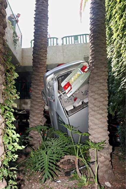 Worst Parking Fail Ever (1)