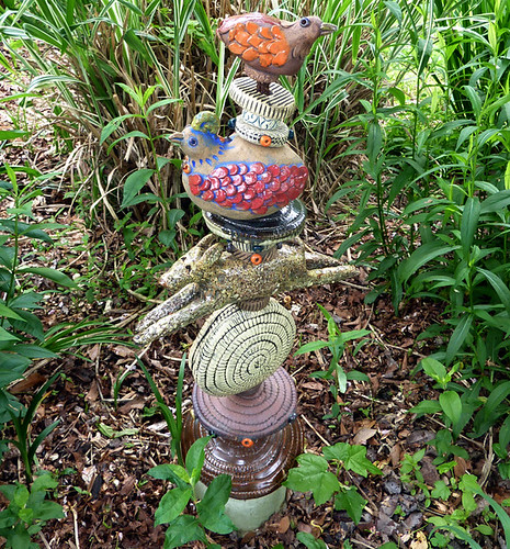 P1010814-2010-04-27-Barry-Gregg-Clay-Works-Outside-Bird-Totem
