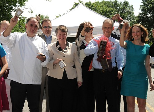 The bell has rung and farmers market season has now begun! (from L to R): Chef Jose Andres, Vice President of Operations Partner with Stir Food Group Ralph Rosenberg, Agriculture Deputy Secretary Kathleen Merrigan, Farmfresh Director Ann Yonkers, and Agricultural Marketing Service (AMS) Administrator Rayne Pegg open the Fresh Farm Market on Vermont Avenue near the White House.